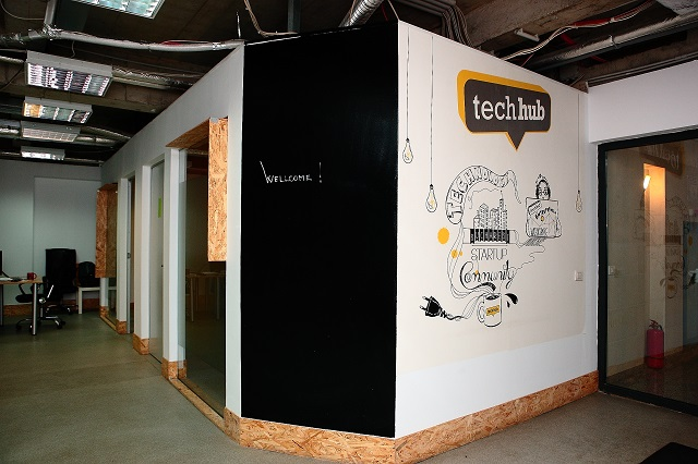Vopsea Escreo whiteboard Tech Hub