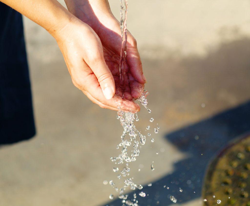 Водата не е само запиене, когато си на работа